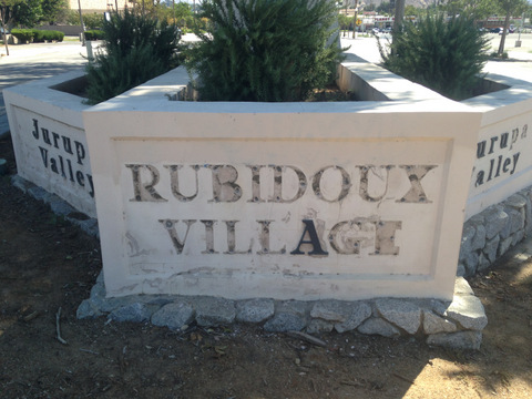 Monument sign maintenance and repair Riverside County CA