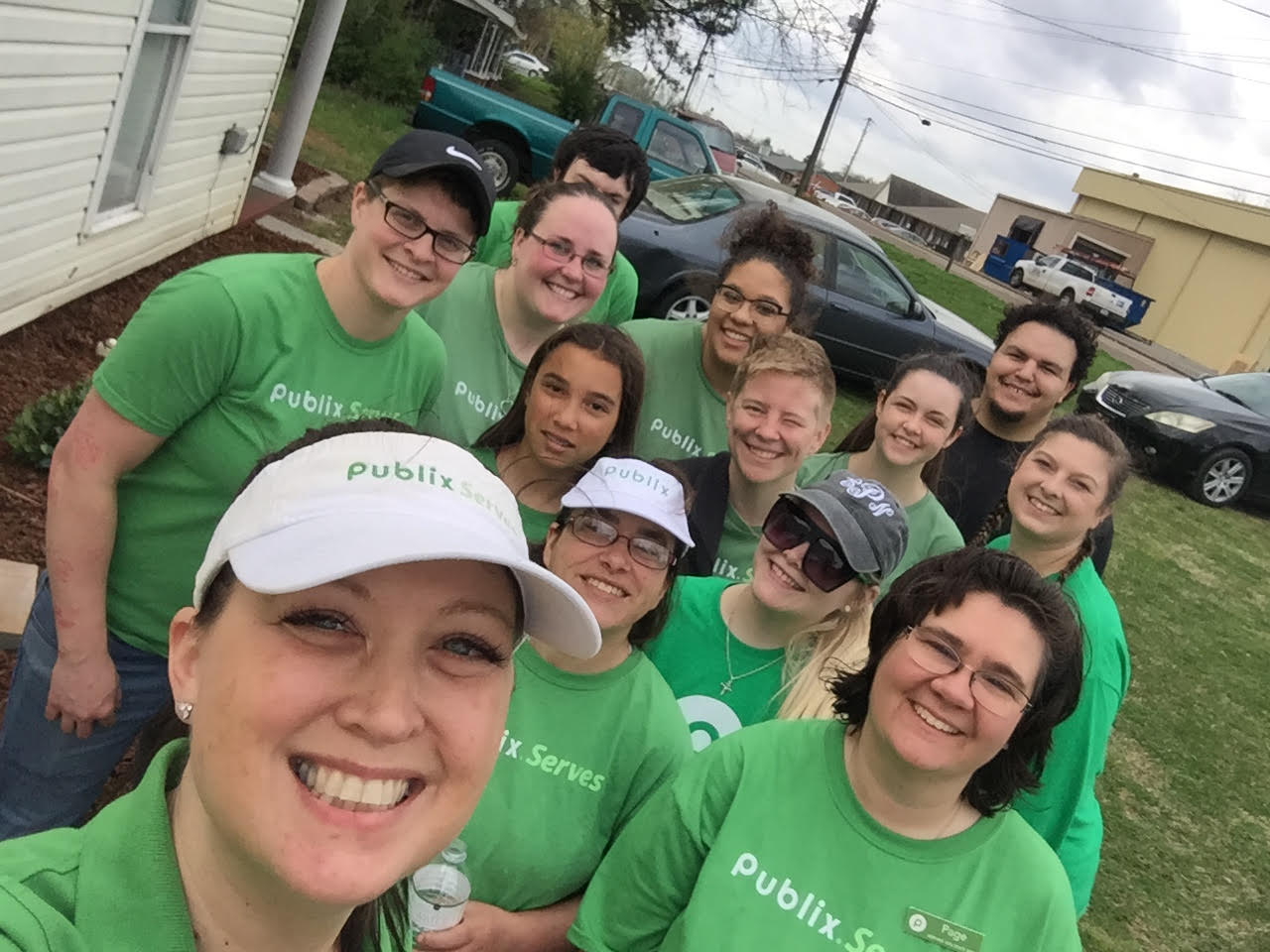 Publix Work Day at the Harris Home