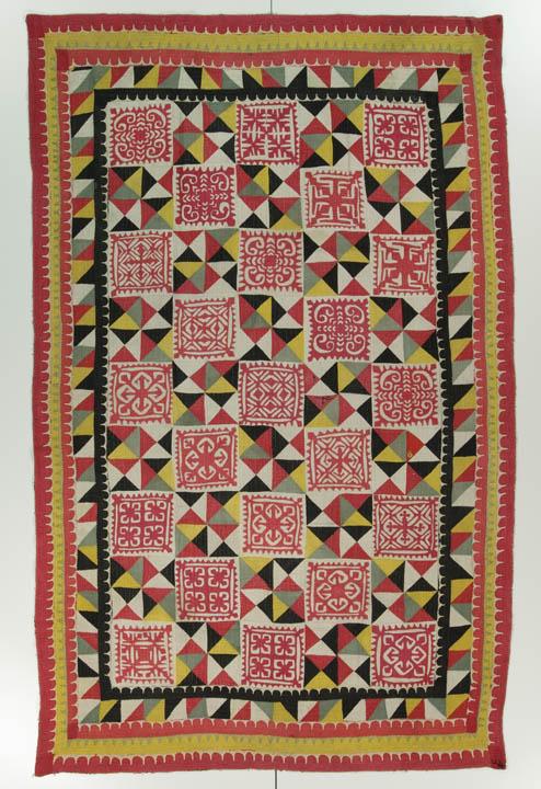 Ralli quilt, probably made in Rahim Yar Khan, Punjab, Pakistan, circa 1975-2000, 84.25 x 54.25 in, IQSCM 2007.004.0004