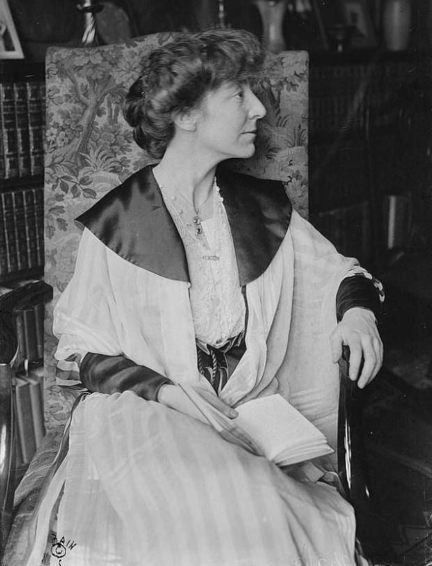 First Woman Elected to U.S. Federal Office: Jeannette Rankin