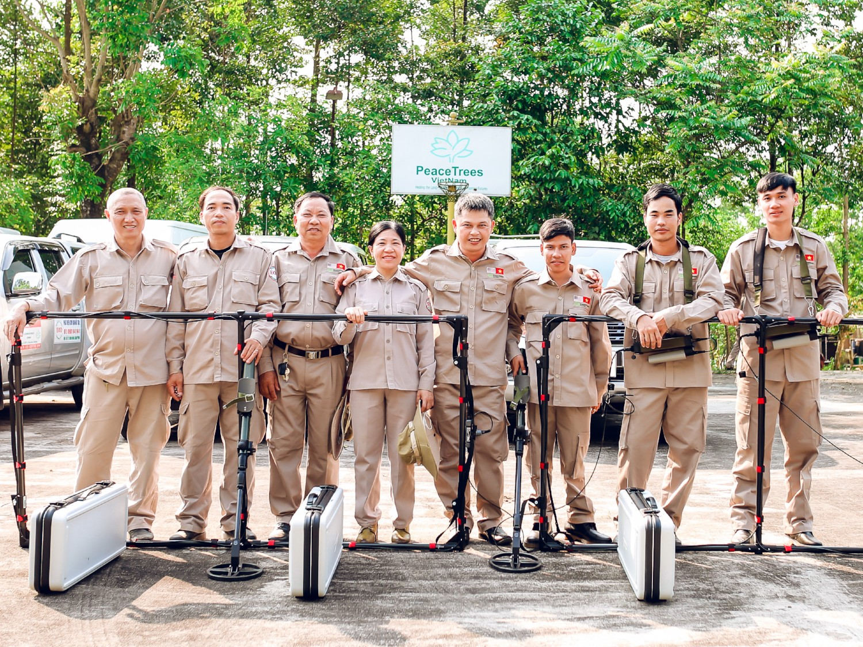 Explosive Ordnance Disposal - Team 2