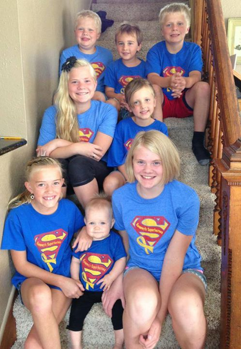 The Greene cousins get together to show their support for childhood cancer!!