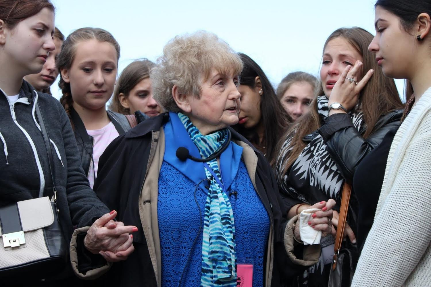 Eva Kor and German Girls in 2014