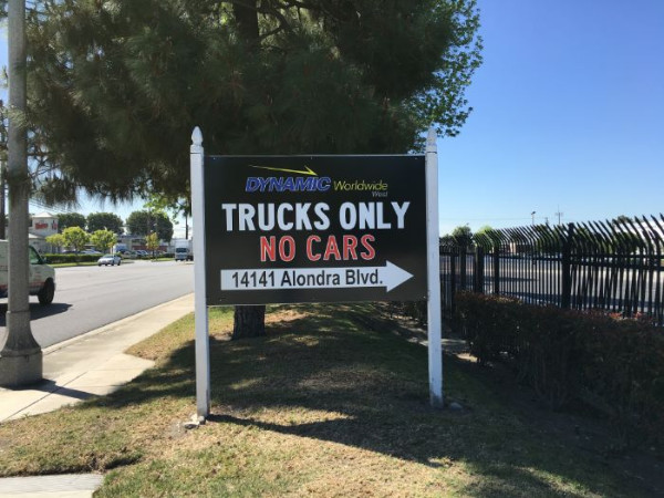 Warhouse and receiving signs in Los Angeles County CA