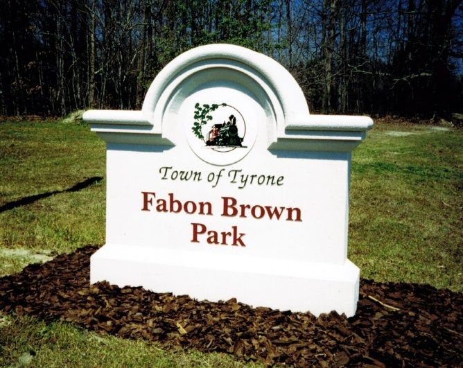 GA16408 -  Monument Sign for Town Park with Carved Train Locomotive