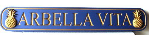 "L21870 - Quarterboard Coastal Home Sign, with Pineapples and 24K Gold-leaf Gilding ""Arbella Vita"""