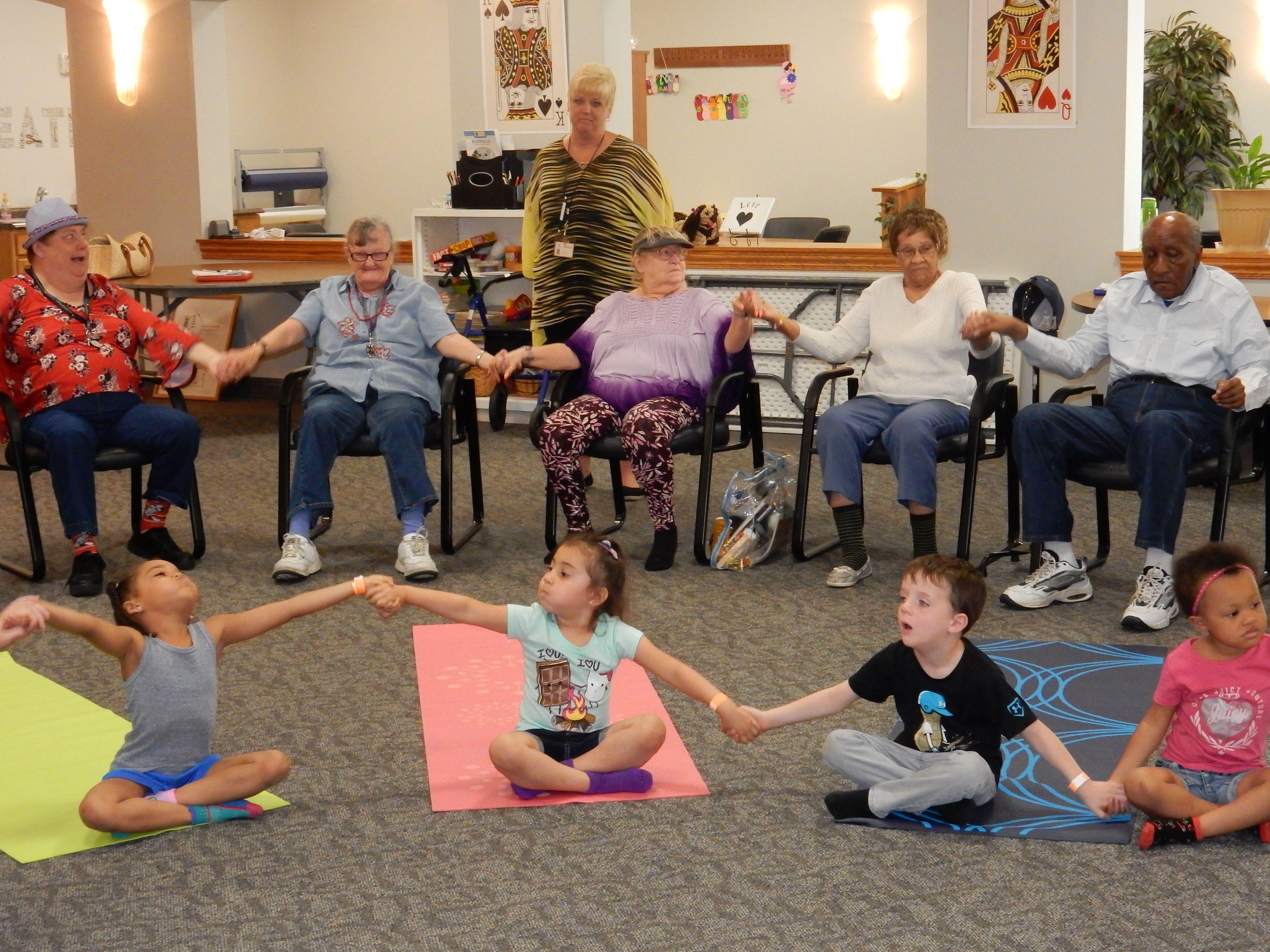 Intergenerational YOGA - Feel the energy!