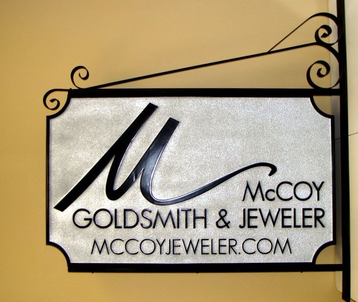 SA28302 - Double-Faced Sign on Decorative Bracket for Goldsmith and Jeweler