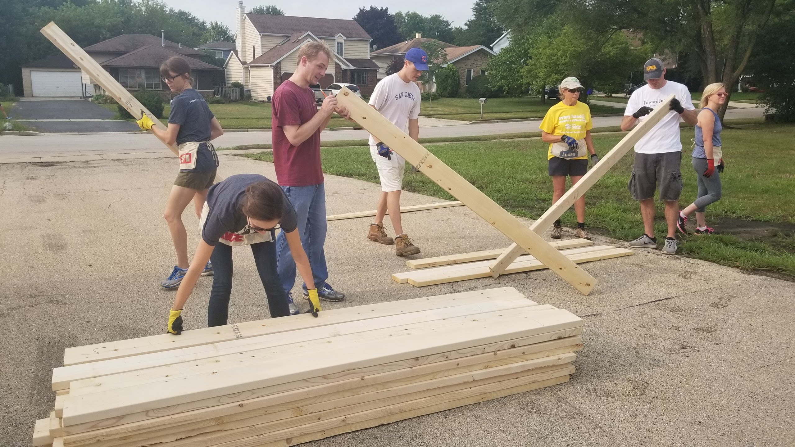 NGI Grabs Gloves and Hammers for Volunteer Opportunity