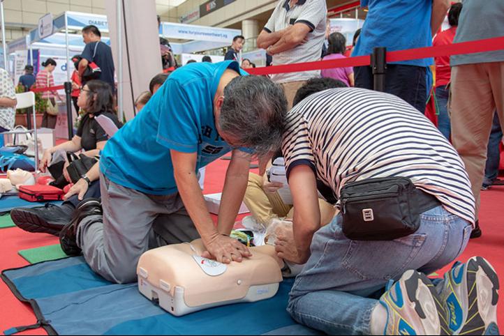 Pediatric CPR and First Aid / Entrenamiento de RCP Pediátrico y Primeros Auxilios