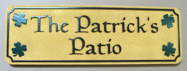 "I18420 - Carved Patio Sign ""Patrick's Patio"", with Four Shamrocks"