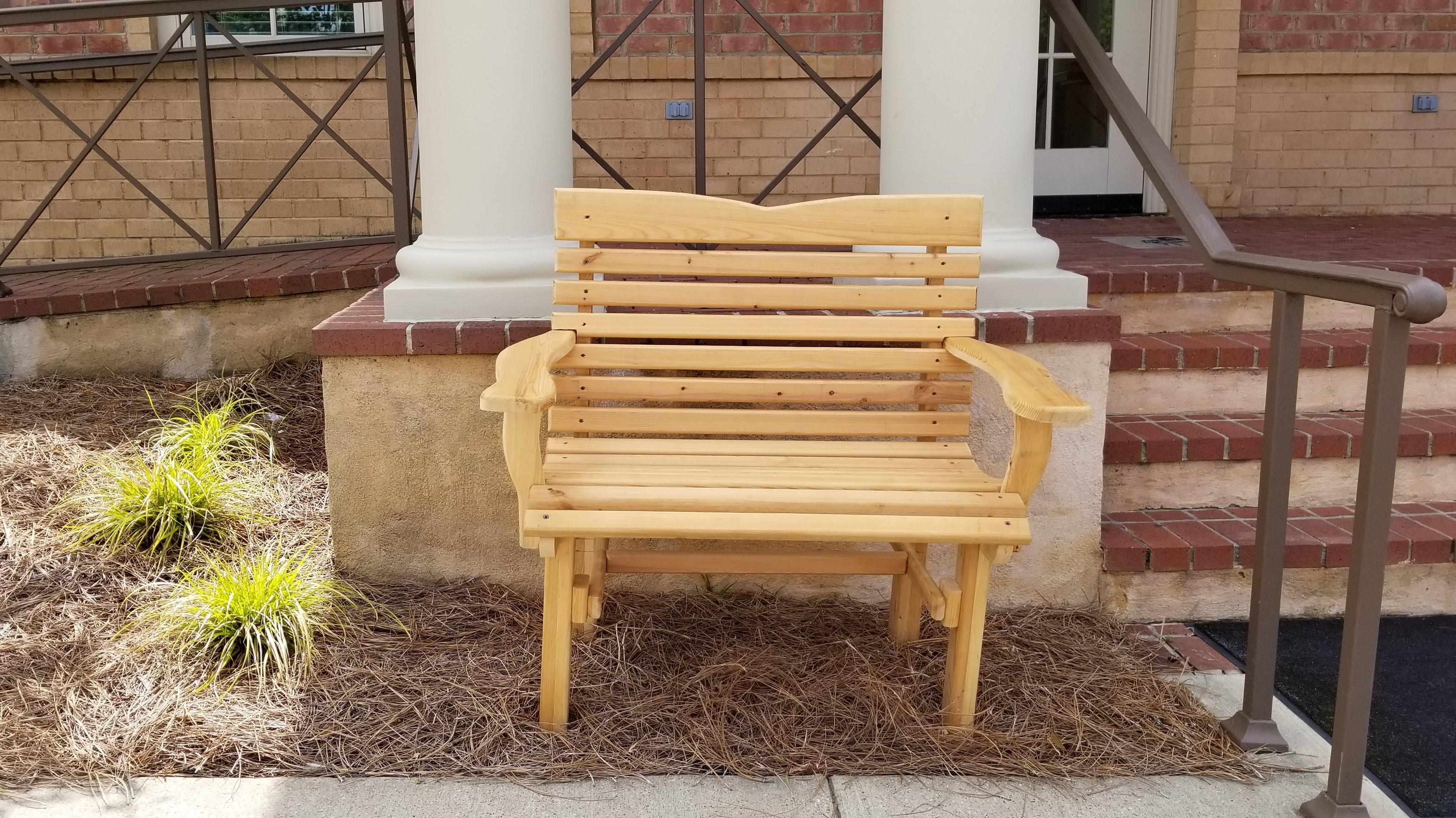 The Newman Family Donates Bench to MOSD