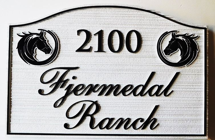 P25023 - Horse ranch Sign with Carved Horse Head Artwork