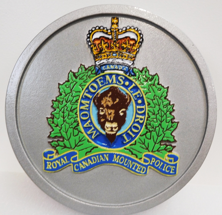 PP-3157 - Carved Plaque of the Crest of the Royal Canadian Mounted Police, 2.5-D Artist Painted