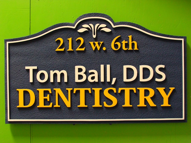 BA11580 - Sandblasted HDU Dentist Wall Sign.