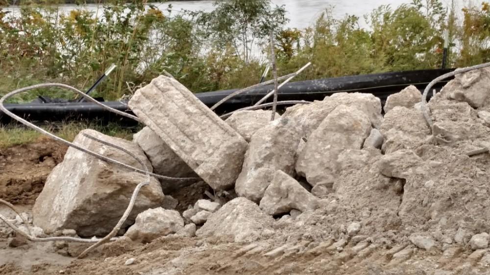 Debris pile from pier 1