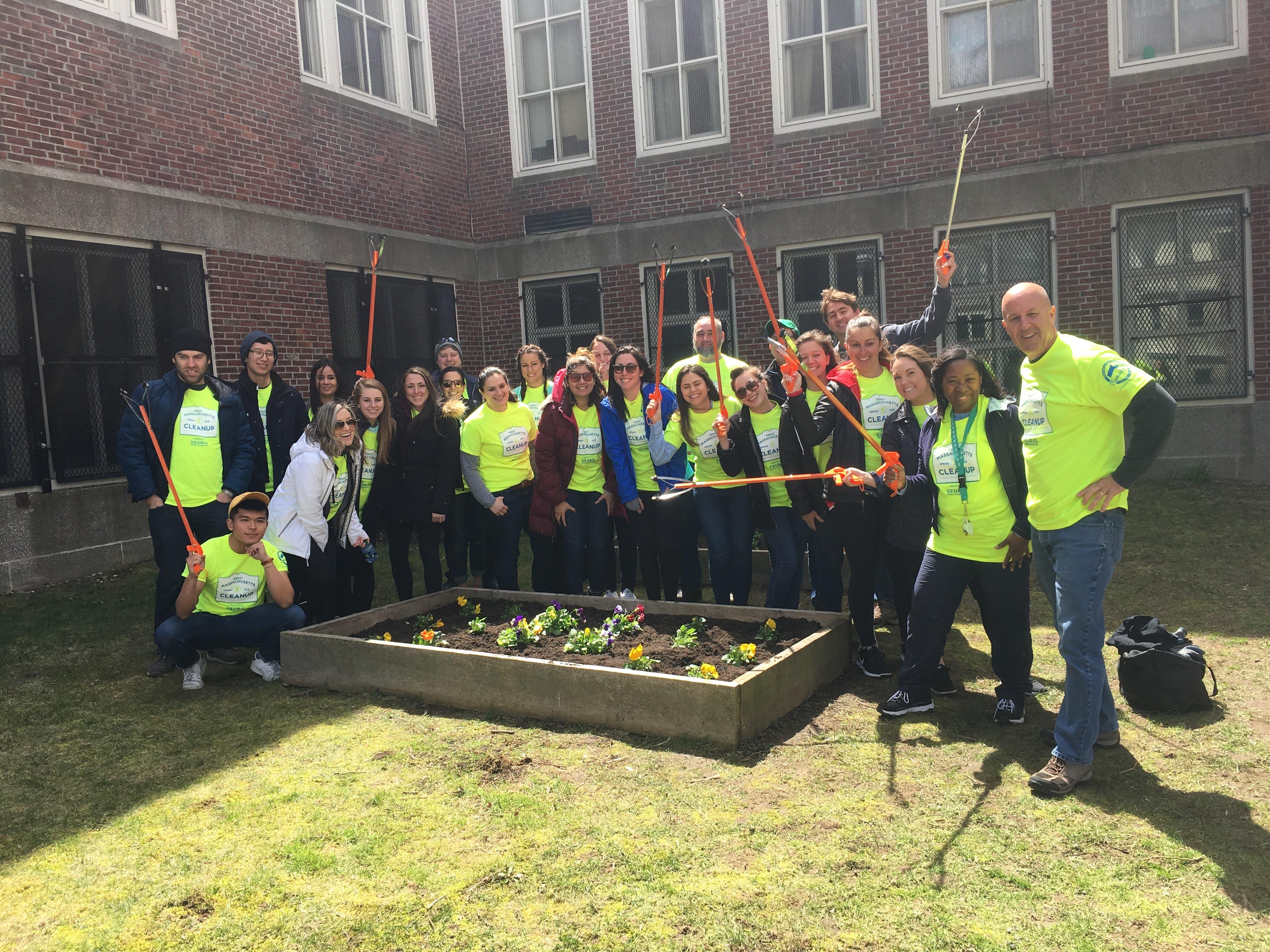 Trip Advisor Volunteers Spruce Up Dorchester School