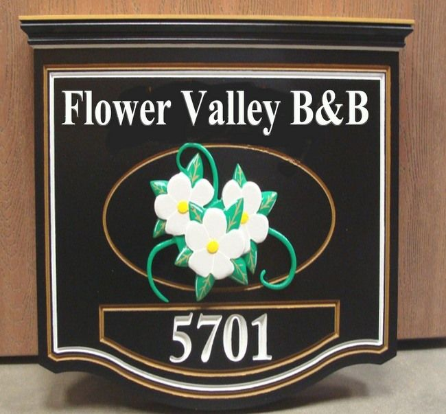 T29033 -Carved Wood B&B Sign with White Flower