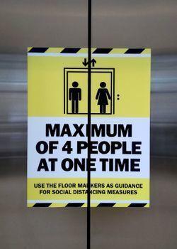 Maximum 4 People