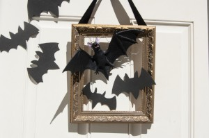 Goodwill Halloween DIY bat decor hanger