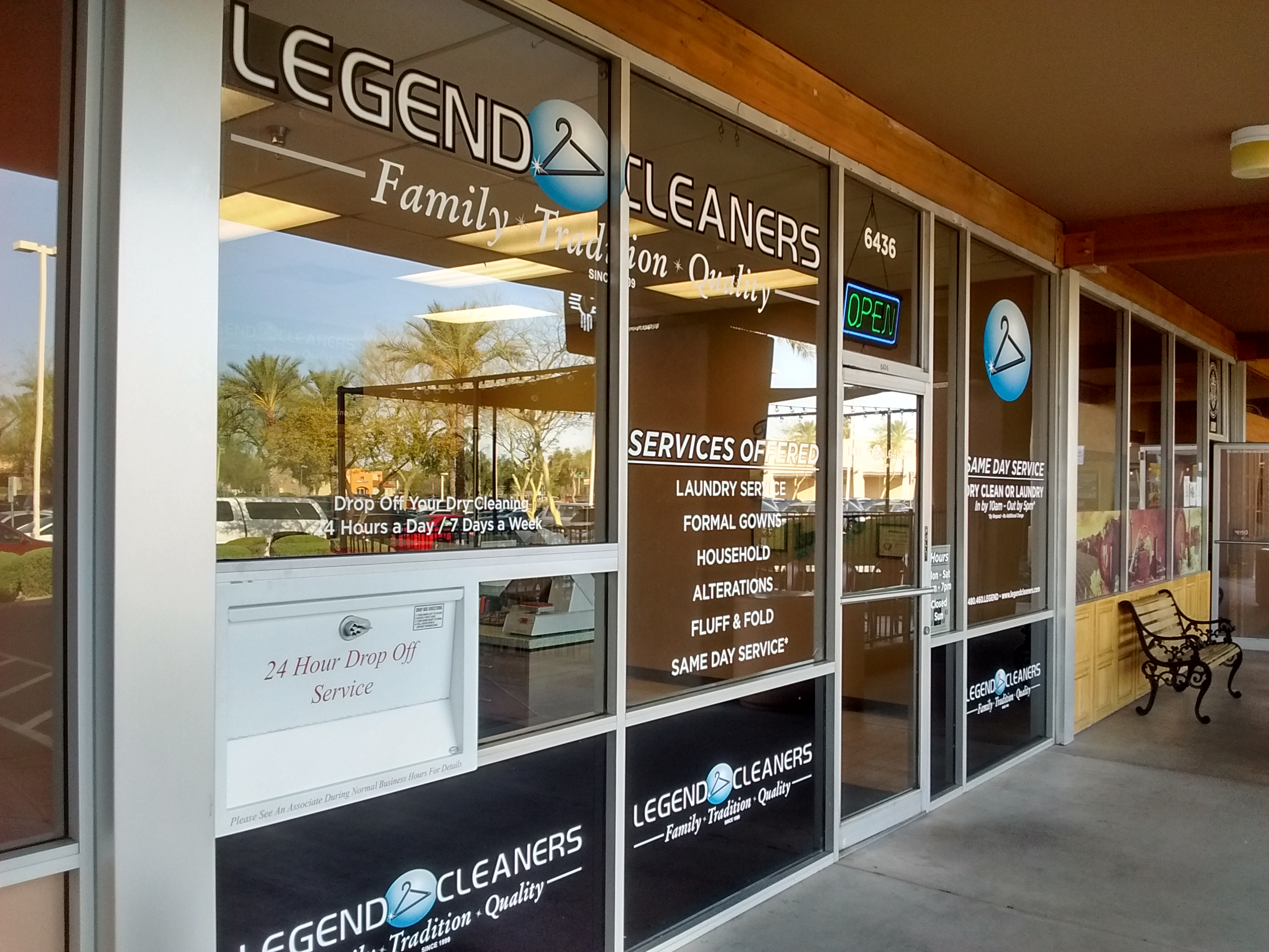 Spotlight Signs And Imaging Solutions  Products  Product Gallery - Superb vinyl graphics