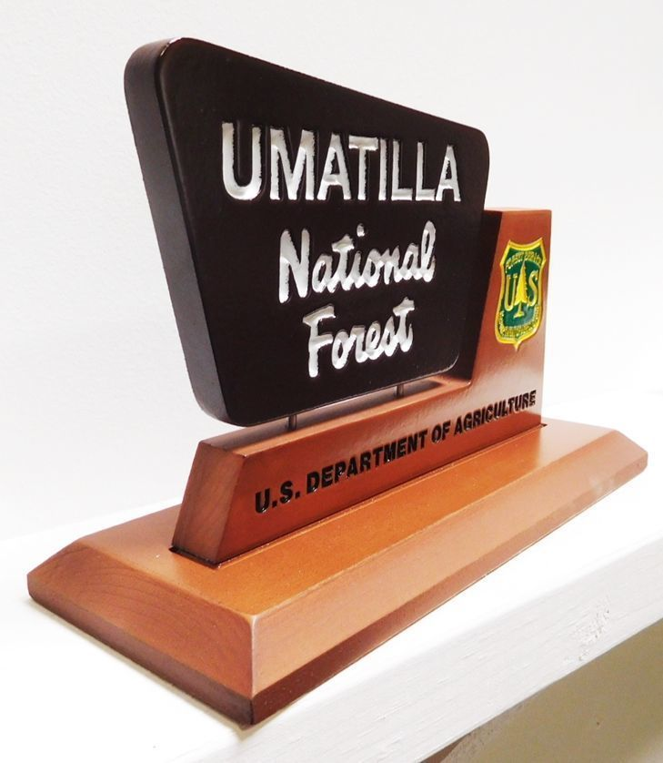 G16092 - Carved Table Top Plaque for Umatilla National Forest  (Side View)