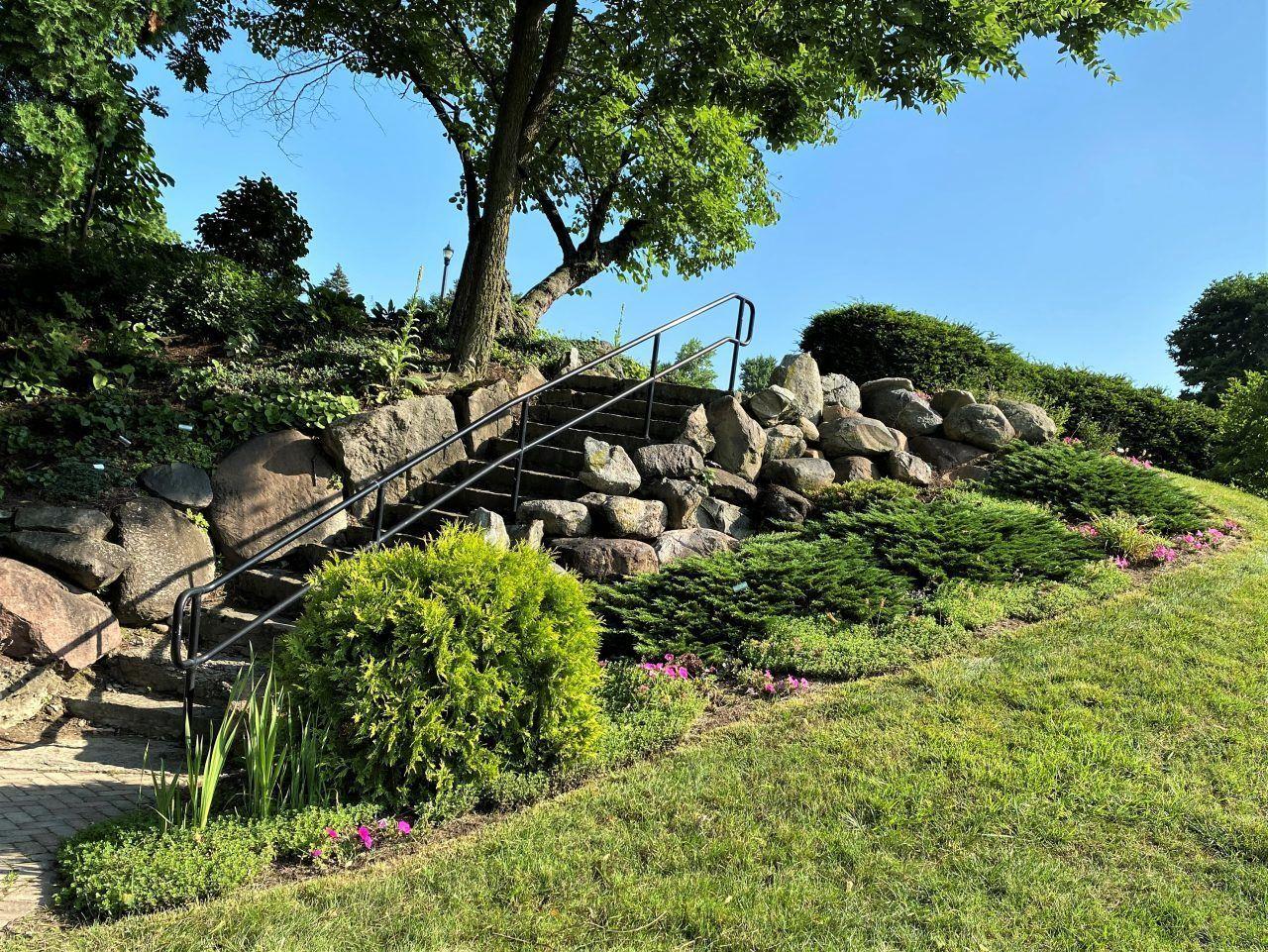 12. C.B. Davis Memorial Boulder Garden
