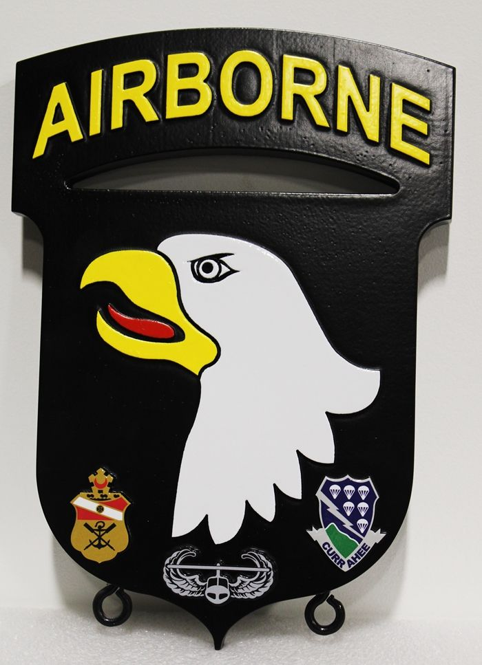"MP-1590 - Carved Plaque of the Insignia of the 101st  Airborne  Division of the US Army,  ""The Screaming Eagles"", 2.5-D  Artist Painted"