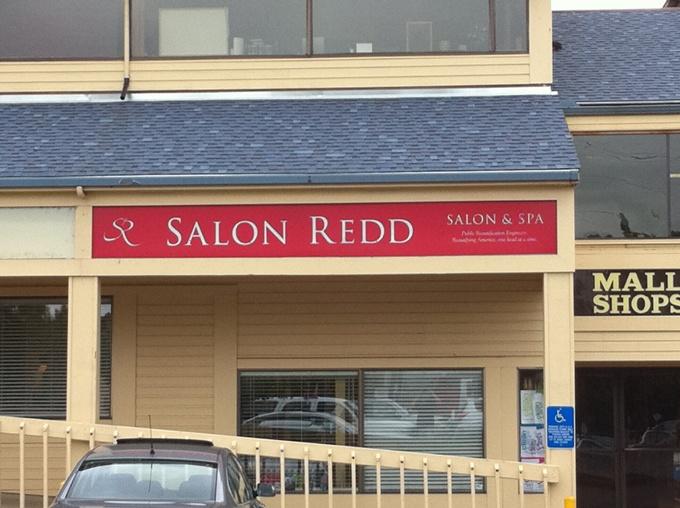 Salon Redd Illuminated Sign