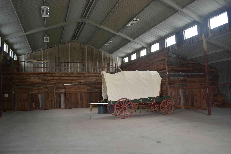 Tales 'N' Trails Barn