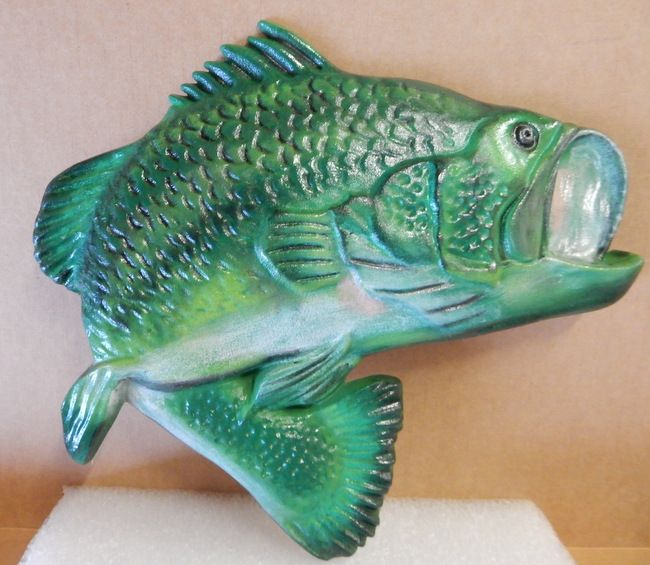 M2033 - Carved 3_D  Large-Mouth Bass Wall Plaque