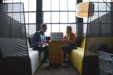 Business 101: How to Network Like an Expert