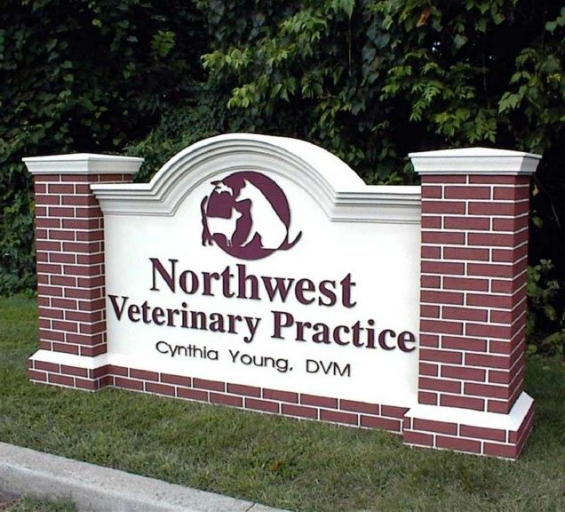 BB11701 – Entrance Monument Sign for Veterinary Practice.