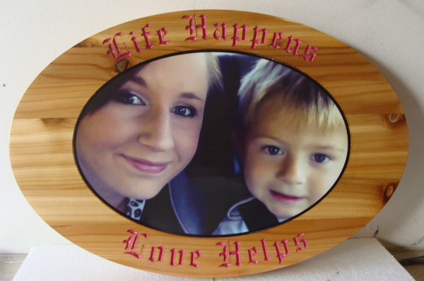 "N23002 - Cedar Wall Plaque with Photo Applique, ""Life Happens, Love Helps"""