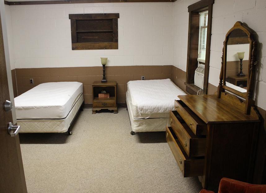 Health Hut Main Bedroom