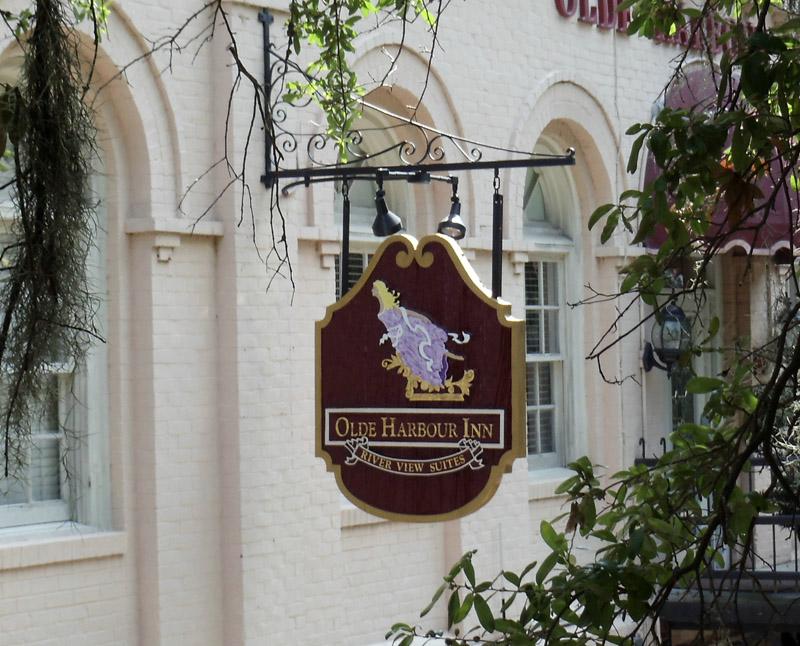 Old Harbor Inn