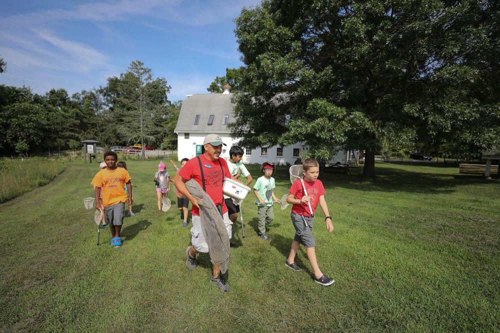 Audubon Society of Rhode Island Caratunk Wildlife Refuge, Rain Garden, Pollinator Meadow, Seekonk, MA, Hiking