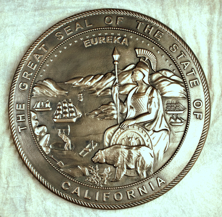 W32072 -  3D Bas-Relief Carved HDU Wall Plaque, Brass-Coated, of the Great Seal of California
