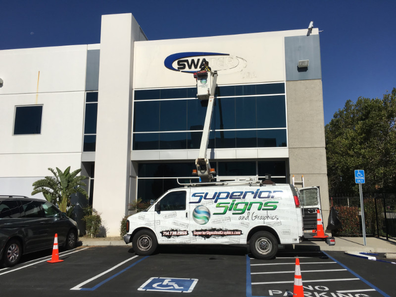 Building Sign Removal and Installations in Orange County CA