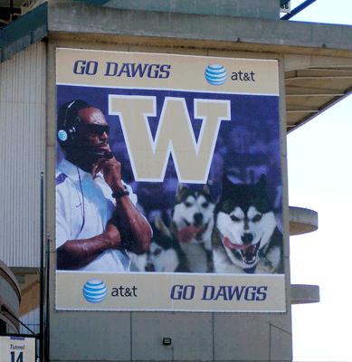 UW / AT&T Signage