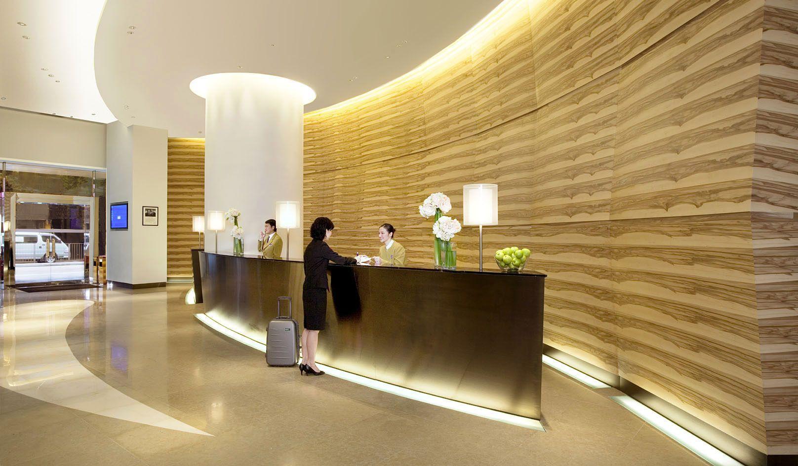 Hotels & Resorts: