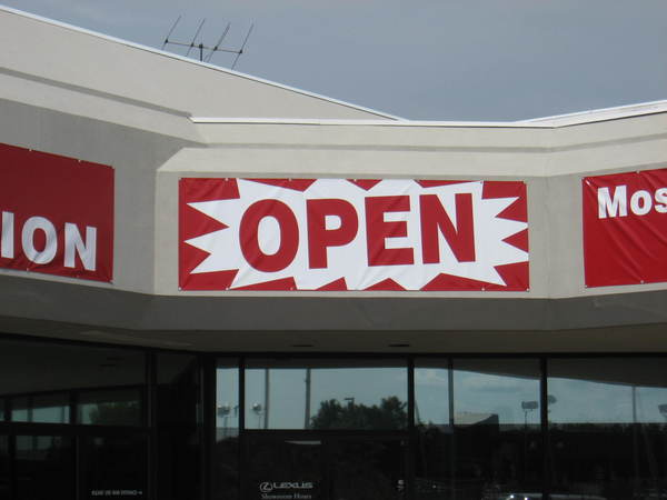 "Multi Banner ""OPEN DURING CONSTRUCTION"" Program for Auto Dealership"