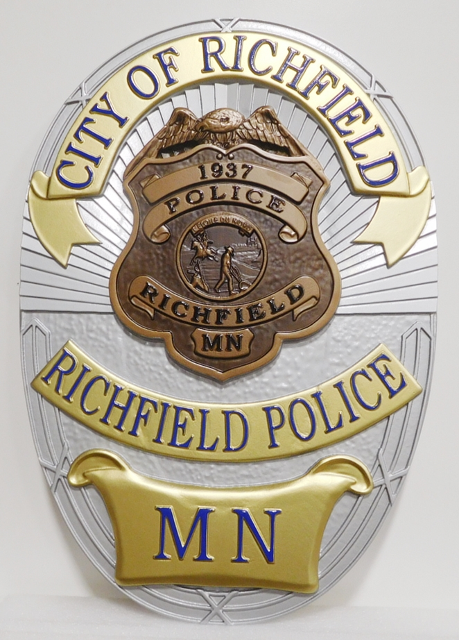 PP-1315 - Carved Plaque of the Badge of the Police of the City of Richfield, Minnesota, 3-D Artist-Painted