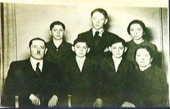Herman (Tsvi) and Siegmund (Zigi) Vizel