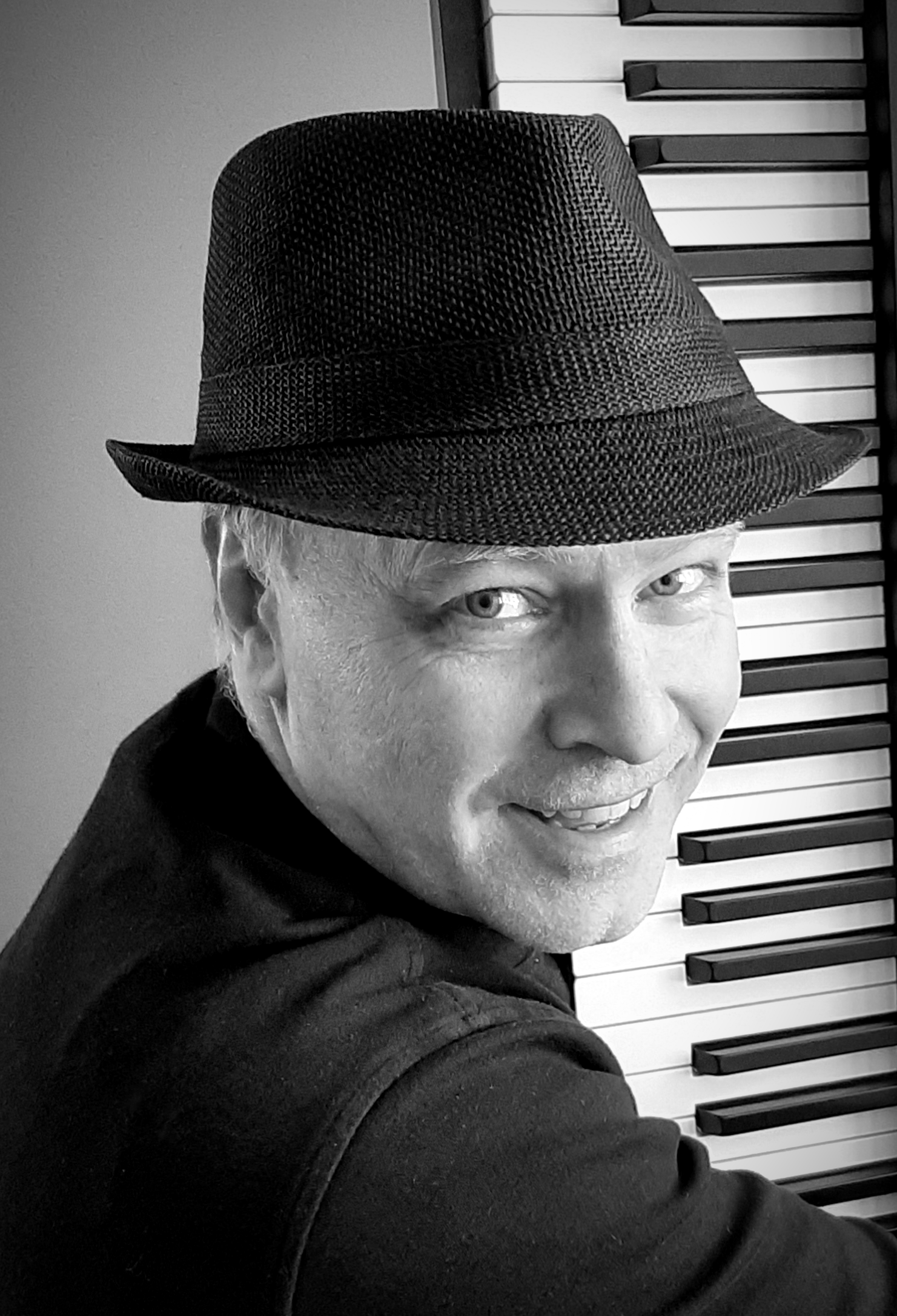 Ragtime Pianist Peter Bergin in Concert