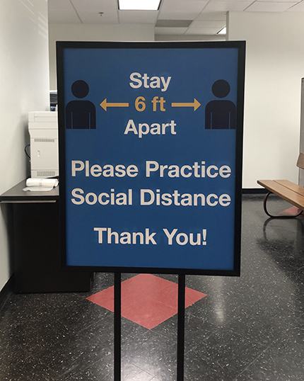 """Sign Display """"Stay 6' Apart"""""""