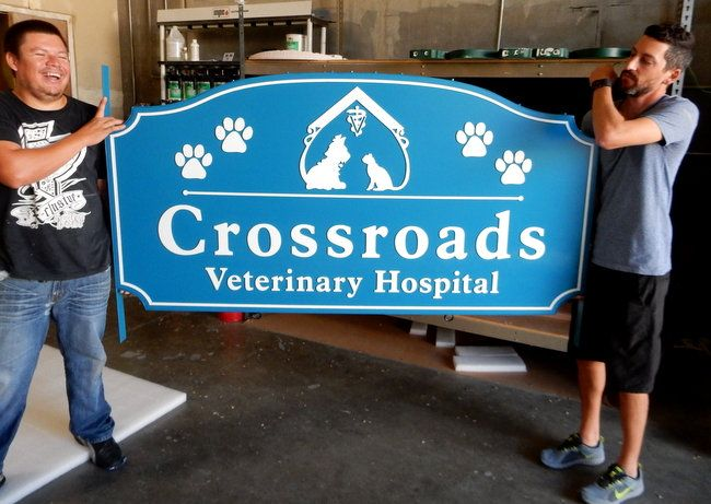 BB11746 - Large Outdoor Veterinary Hospital Sign with Carved Images of Paw Prints