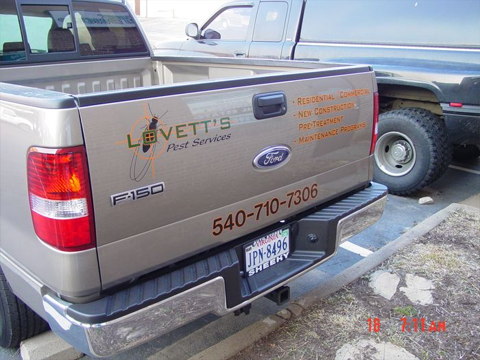 Lovetts Truck Graphics