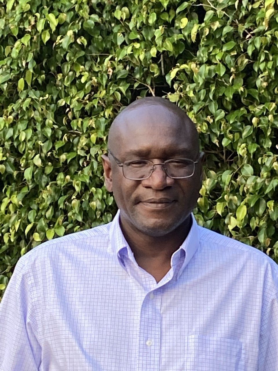 Dr. RobertMagoola