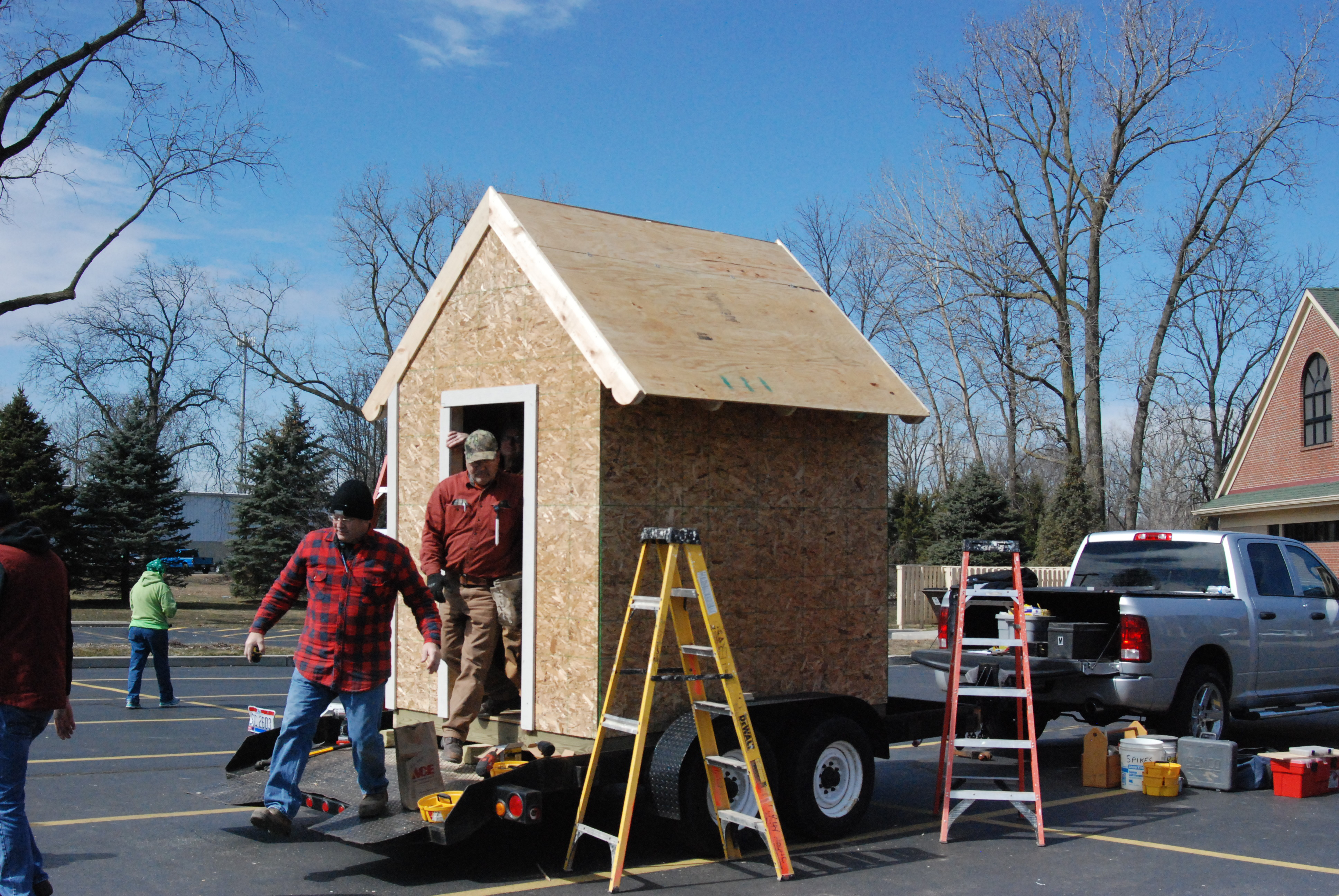 See the 2018 Playhouse Build photo gallery!